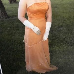 Prom dress Beautiful orange strapless gown